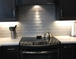 Porcelain subway tile with bevelled edge